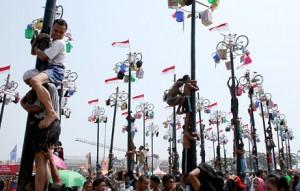 Palo encebado en Indonesia